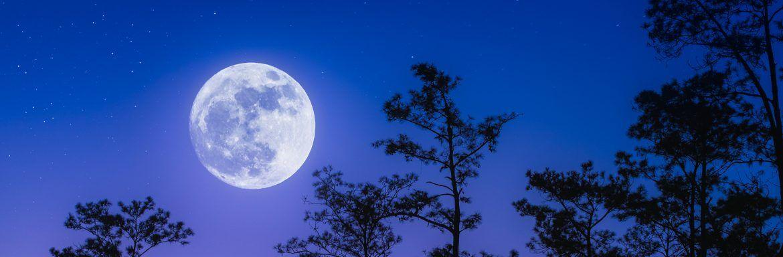 Volle maan in Vissen: zo vind je je kalmte terug (en slaap je wél goed)