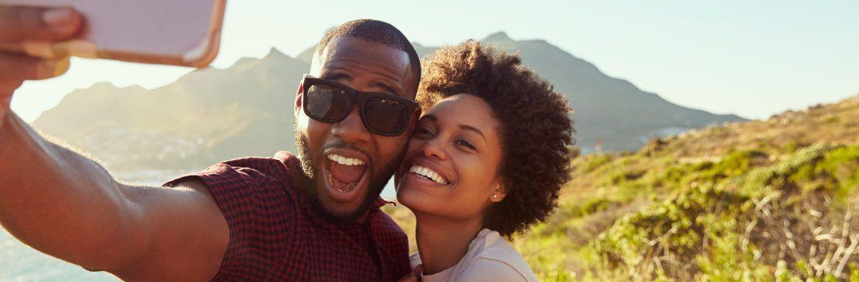 Over #couplegoals en #love: dit is wat het zegt als stellen veel op social media posten